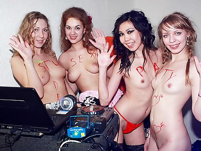 Real college hook-up as you've never seen it before