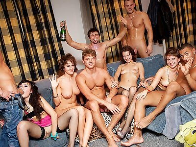 Stiff student ass-fuck fuck-a-thon at B-day pound party