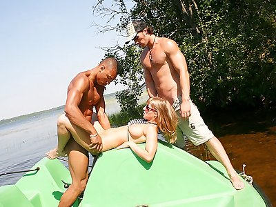 Jugged platinum-blonde boinked hard in a boat