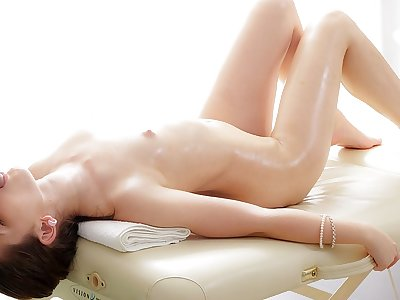 Jaw-dropping brown-haired lassie loves a massage boink action